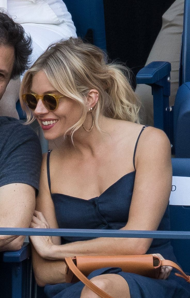 Sienna Miller has released the official hairstyle of tennis to a date-ready version ...