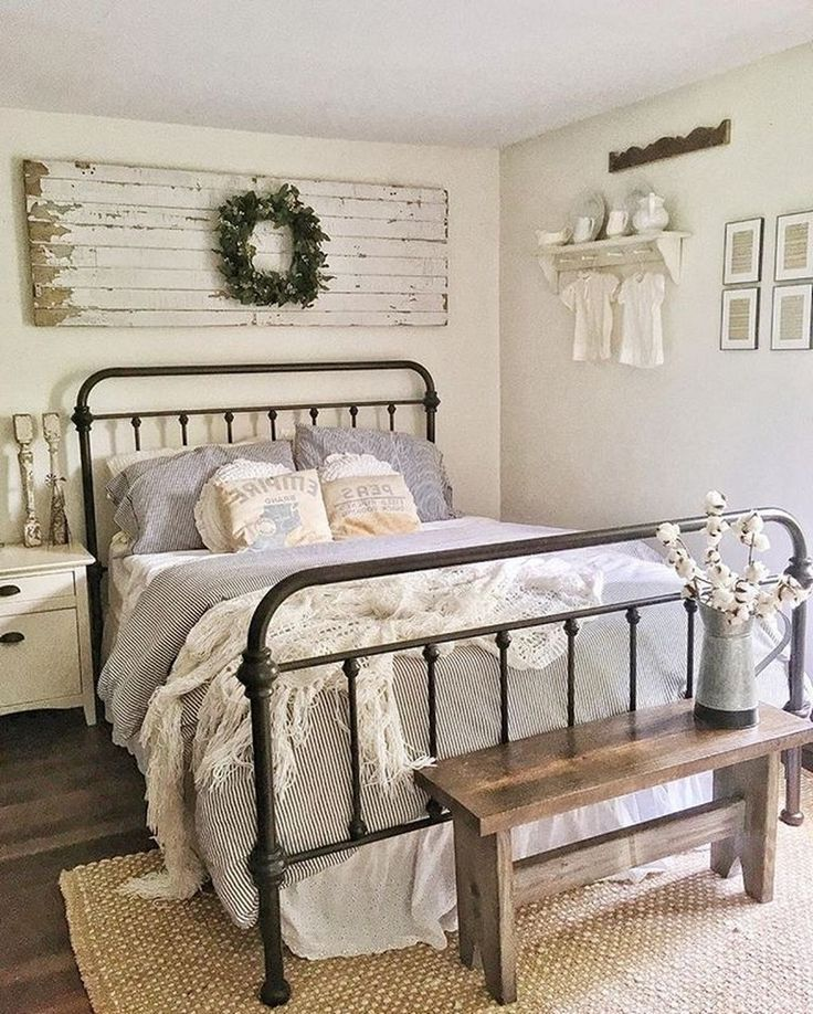 40+Best Bedroom Decor And Design Ideas With Farmhouse Style #bedroom #bedroomdec...
