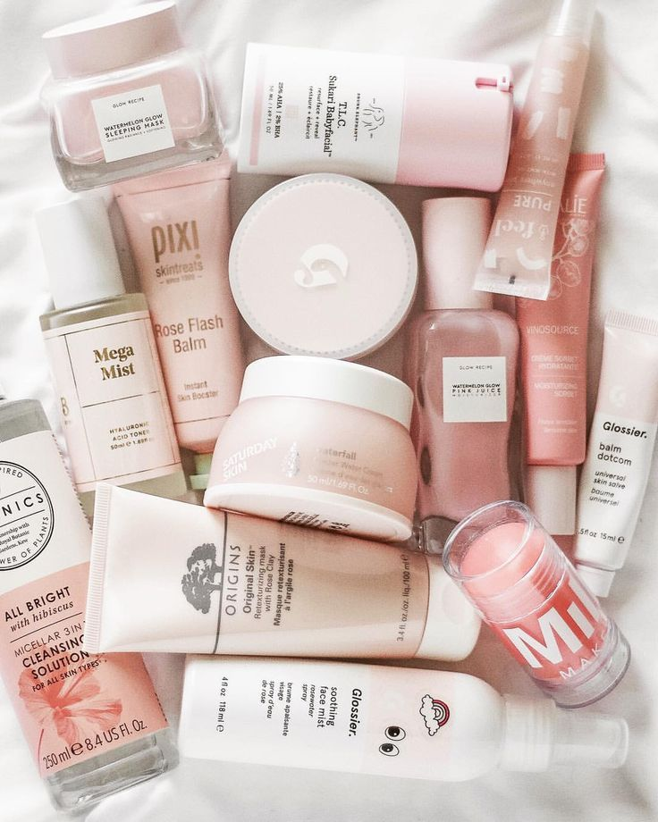 Glossier Favorites Instagram 上的 Mandy Ferrugia:「 New pink skincare to ad...