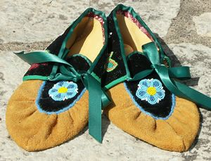 ojibwe moccasins  | to enlarge ojibwe moccasins new ojibwe traditional style moc...