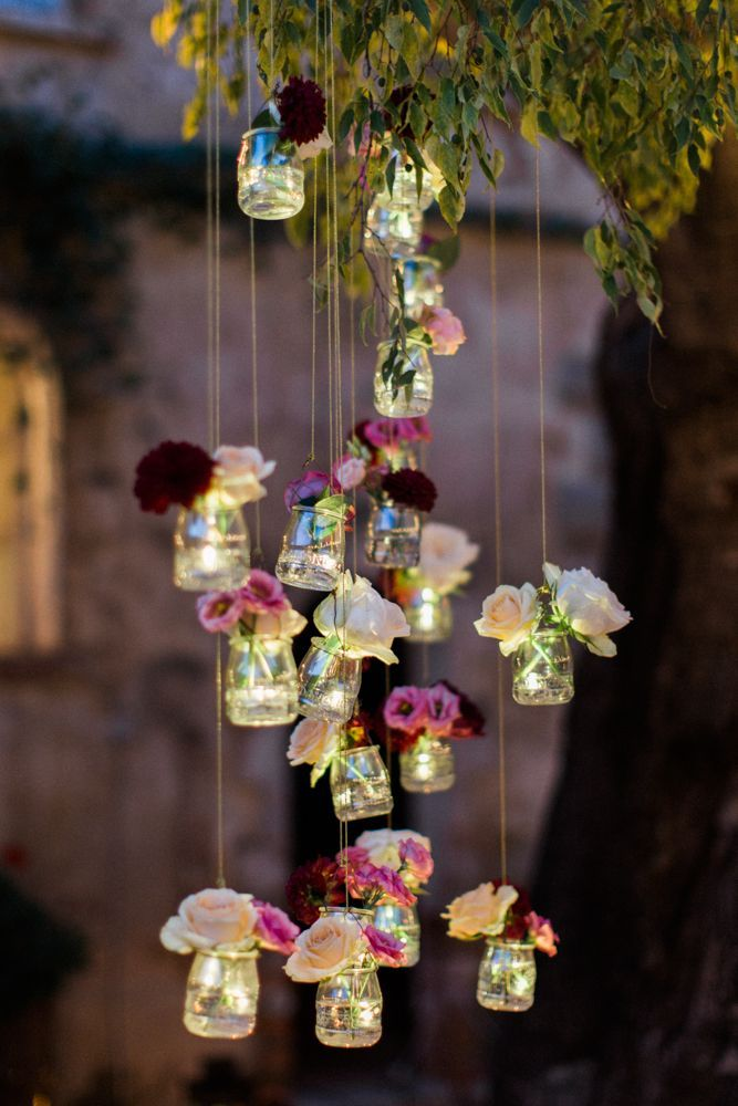 Beautiful decoration from old jam jars. Whether garden party or wedding ...