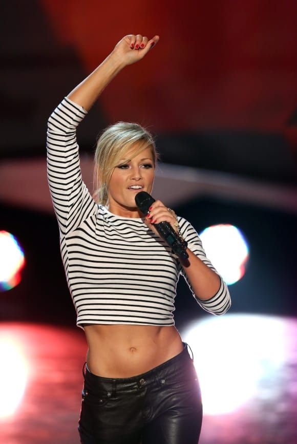 Helene Fischer In Sexy Belly Free Look Louise Pittman Blog S
