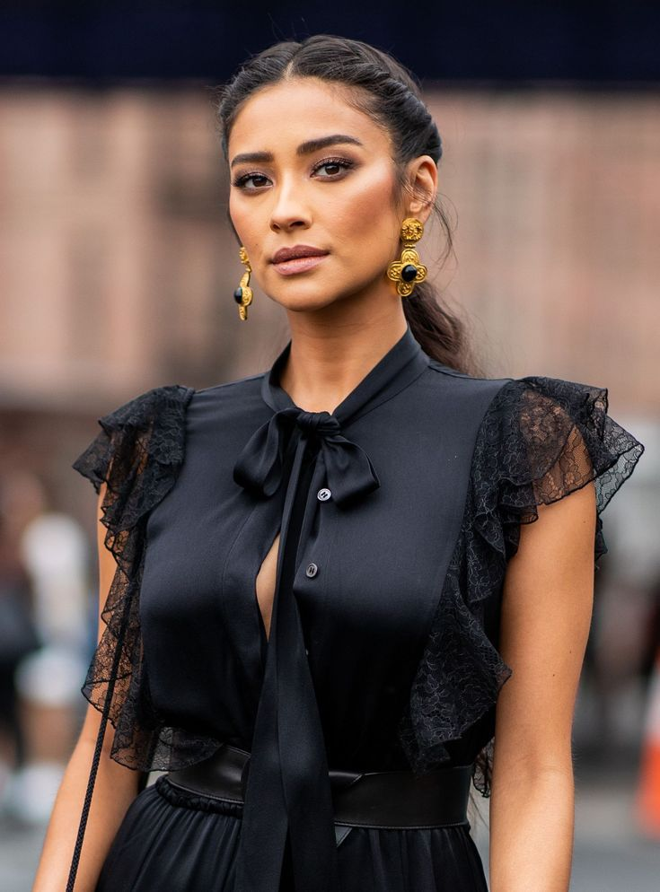 The Heartbreaking Story Of Shay Mitchell's Miscarriage Is All Too Common - #Co...