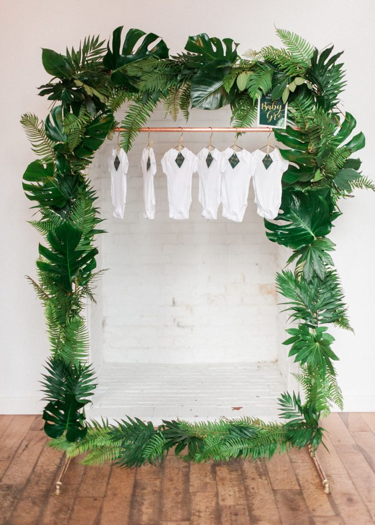 Embracing All the Palm Fronds For a Very Tropical Baby Shower