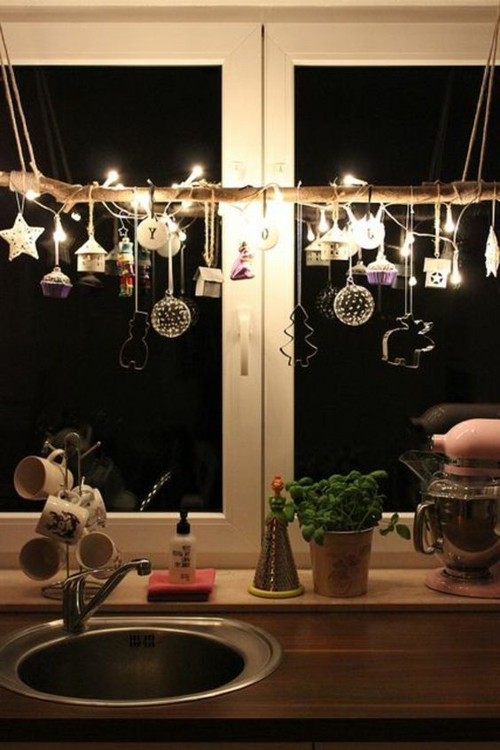 Window decoration for Christmas - beautiful subtle and great examples