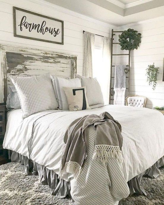 34 Beautiful Farmhouse Bedroom Design Ideas Match For Any Home Design - Trendeho...