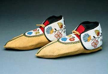 Chippewa moccasins.Chippewa, beautiful people.