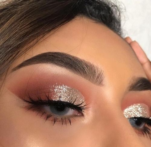 Submerged eyebrows are the latest bow trend that you can actually ...
