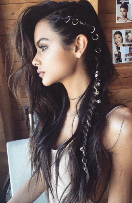 Breastfeed your long hair with these beautiful and pretty hairstyles, st ...