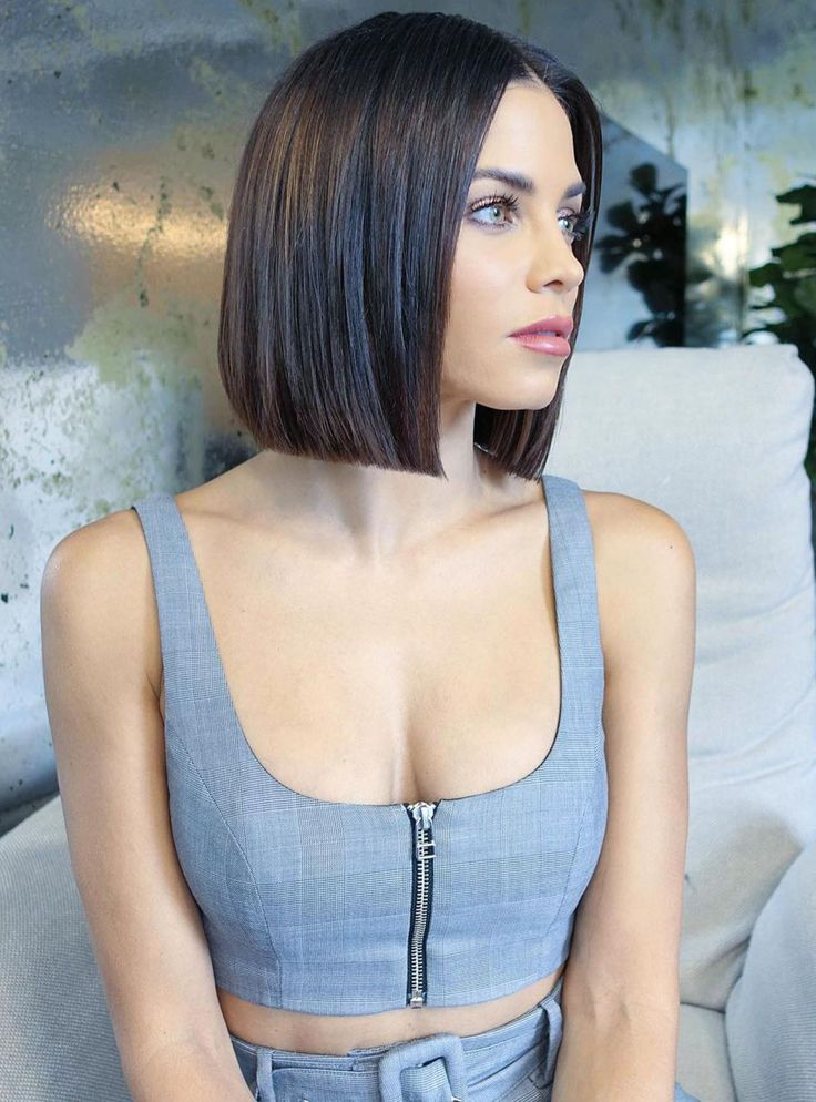 """Glass Hair"": Super Smooth Bobs are the new hairstyle trend + # refinery29"