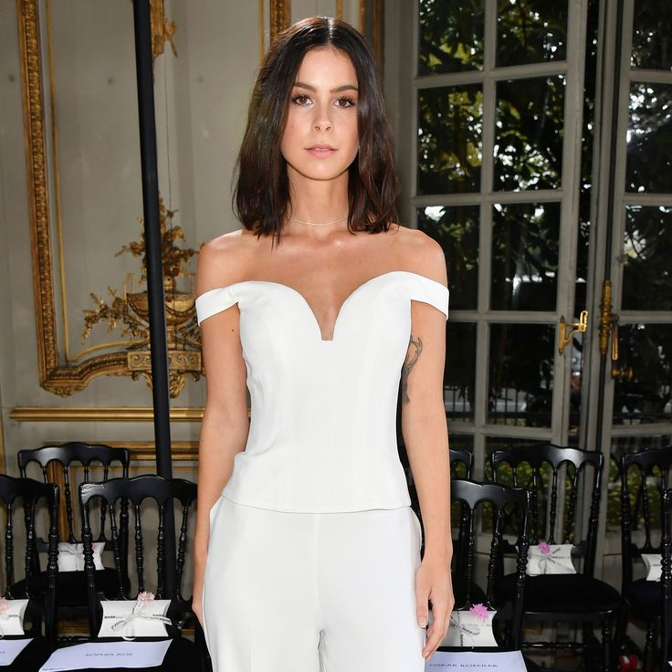 She can not seem to please anyone. Lena Meyer-landrut (26) has over ...