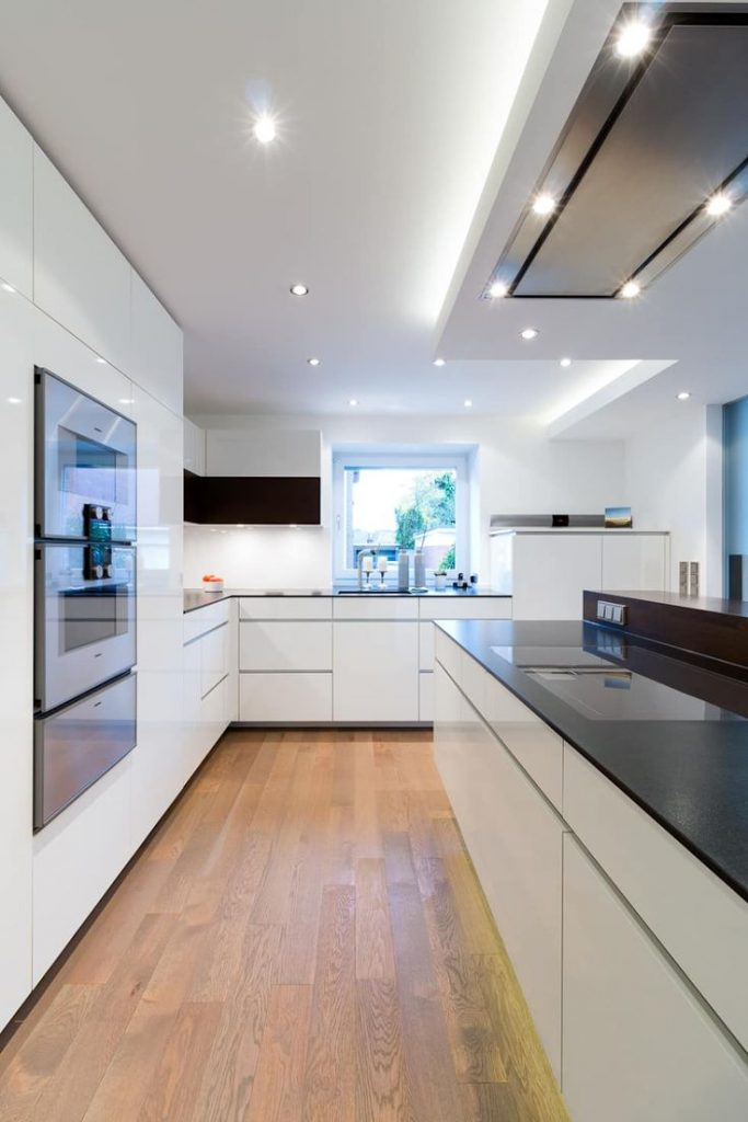 Custom-made kitchen in Borken: modern kitchen by Klocke Möbelwerkstätte GmbH ...