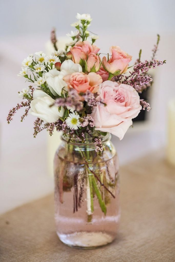 We have designed stylish pink wedding decoration ideas and inspirations for you.