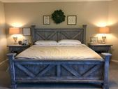 Great Idea 40+ Incredible Rustic Farmhouse Style Master Bedroom Ideas decoredo.c...