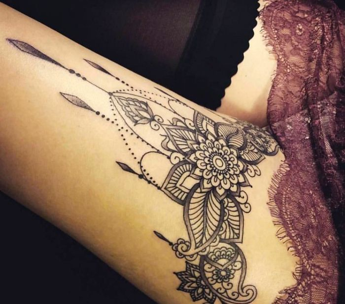 tattoo on the thigh, mandala, leg tattoo, tattoo motifs for women