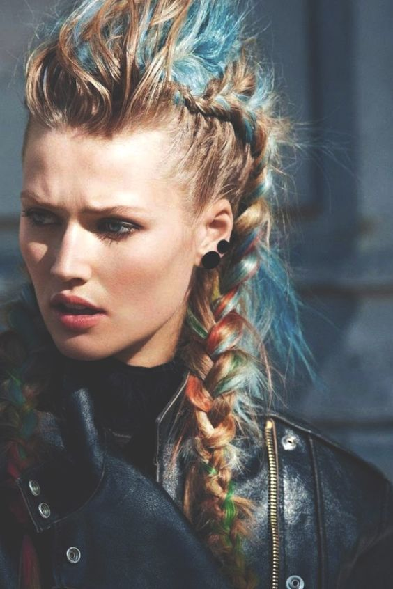 WOW! Summer time is festival time! These FAUX HAWK PONYTAILS are simply the ha ...