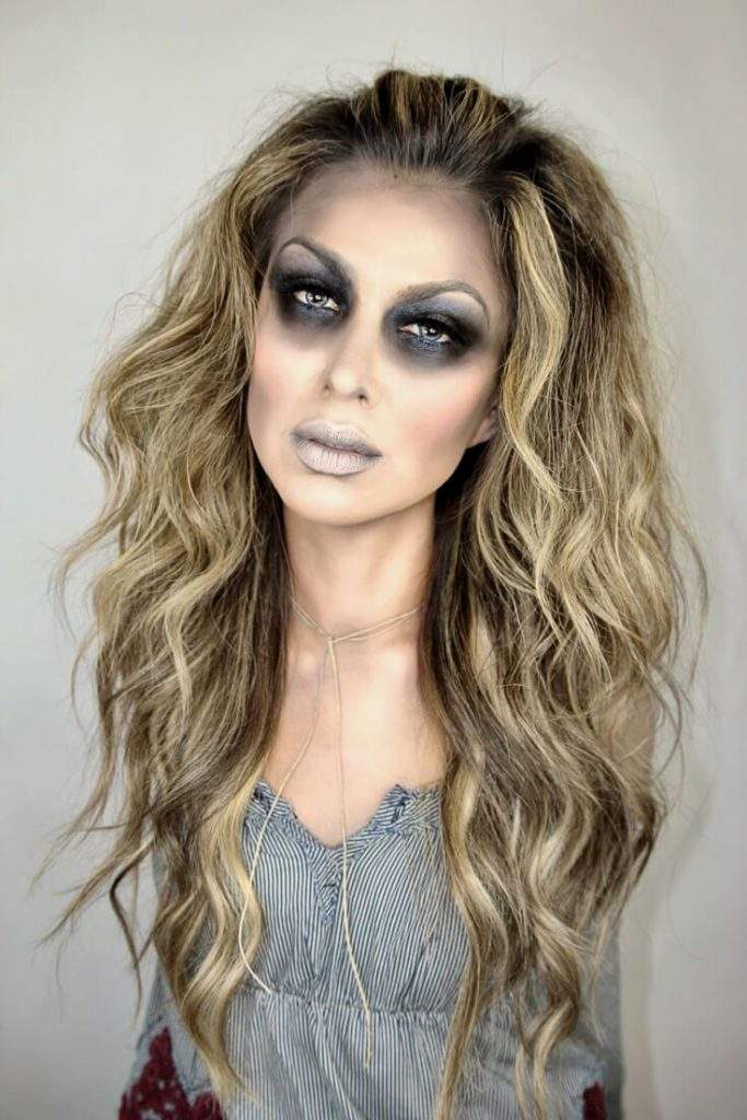 Halloween season is here and I couldn't be more excited to share this Glam Zom...