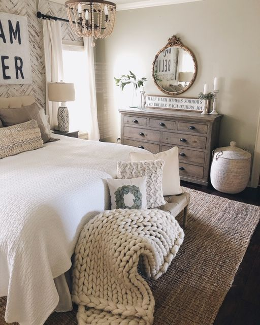 How to Make Your Interiors Constrict With These 3 Steps #farmhousedecor ...
