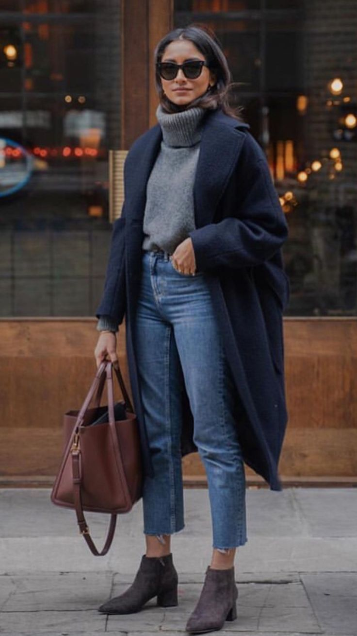 Tucked in sweaters look awesome - get on trend ? #Outfitinspiration - Unique - GutPin - Winter Fashion