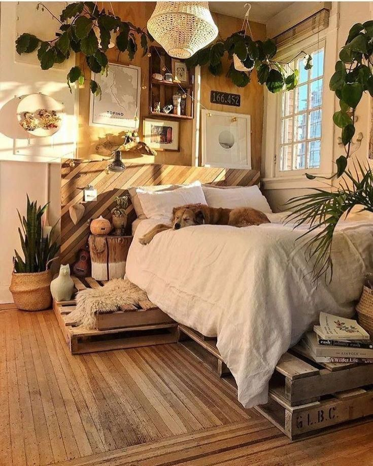 Boho bedroom. Boho bedroom decor. Boho bedroom ideas. Indoor plants bedroom. #be...,  #Bedroo...